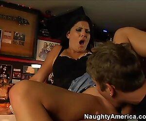 Curvy brunette slut Erin Marxxx is always for good pussy pounding