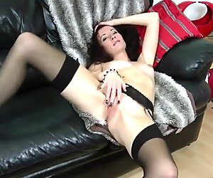 Sexy cougar milf and her hungry vagina