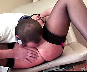 RealMomExposed - The doctor gives her a massive sperm injection
