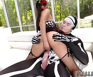 Small brunette big ass Bitty Bopper Gets A Scare