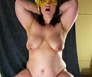 lush milf wetts Herself in Her Own Piss and Cums