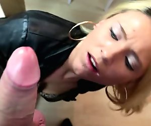 Shower of sperm for the sexy blonde