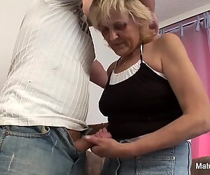 elder grandma takes a pussy porking on the bed