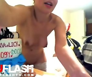 BLONDE GETS SPANKED BY PIZZA DELIVERY GUY ON WEBCAM AMATEUR TEEN