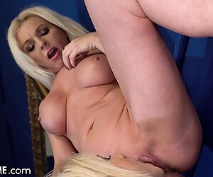 Hot Blondie Have Something In Mind For Her Cougar