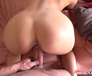 Sexy babe Scarlet Red fucked on the bed