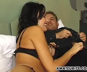 Amateur Milf threesome with double cumshots