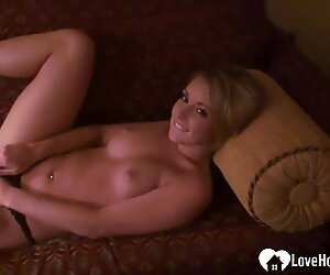 Sexy babe with great tits loves to masturbate