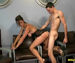 Full figured MILF Mrs Mimi gets her loose cunt drilled doggystyle