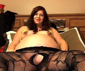 meaty preggie belly rips tights