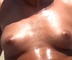 Best Topless Beach btb_02_0259m
