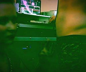 EDM Trap Music Girl Gives The DJ a BlowJob