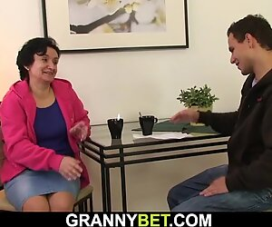Hairy pussy granny tourist screwed on the floorHairy pussy g