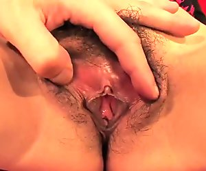 Hairy pussy get's lips shaved for maximum pleasure