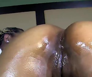 stripper alert king creme fucks phat booty thick lusty