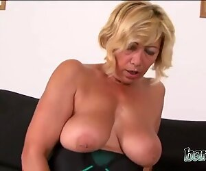 Perfect ass mature bitch prefers BBC all day every day