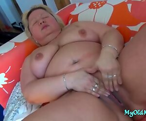 Free43 BBW granny and babe toy each other