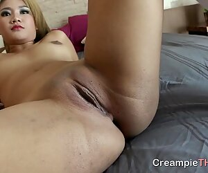 Creampie pussy for pretty-faced Thai girl