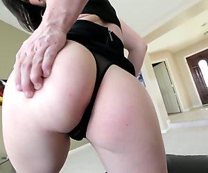 1000facials Jennifer White Wants Cum On Face