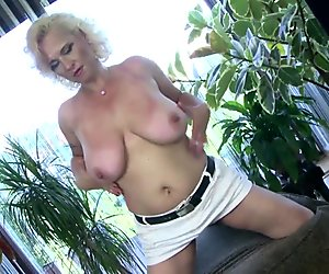 Busty white moms with hungry old cunts