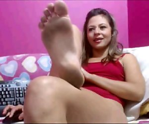 dirty soles on cam