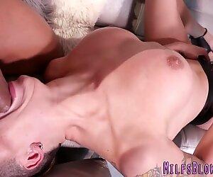 Milf slut sucking bbc