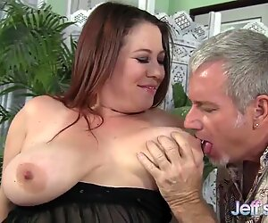 Plump MILF Rubee gets her fat pussy filled