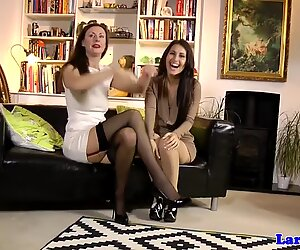 Classy milf eats gorgeous babes pussy - Gorgeous Glamour
