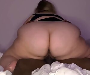 SBBW with Big Ass keeps Riding after Creampie