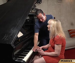the old pianist girl